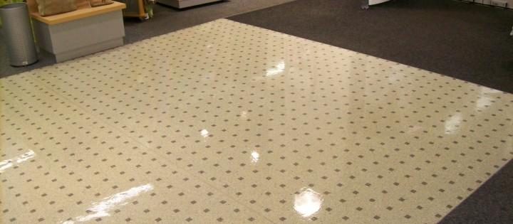 voskování podlahy hl.