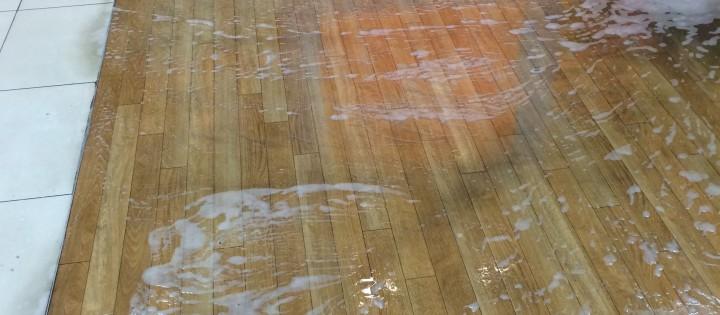 mytí podlah 2